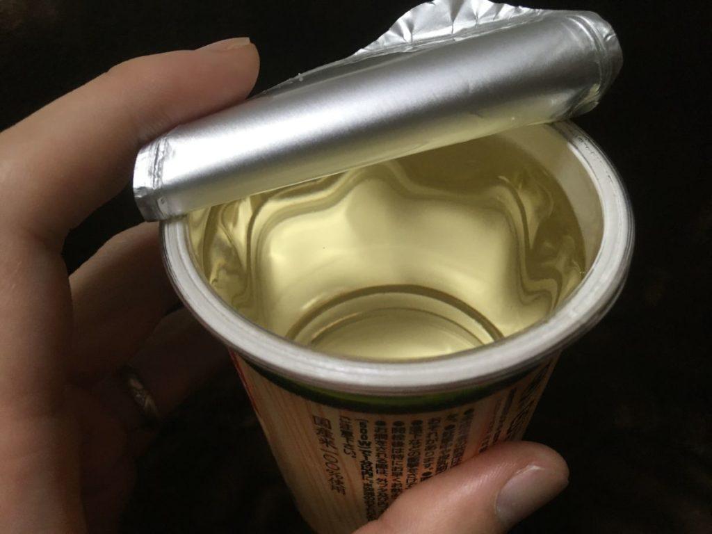 ネオカップ樽酒_開封